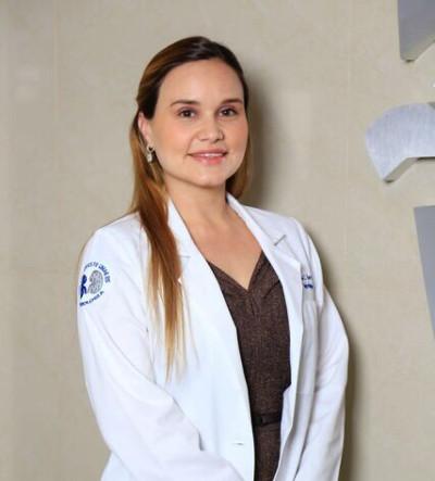 Dra. Diana Herrera Martínez - Nefróloga